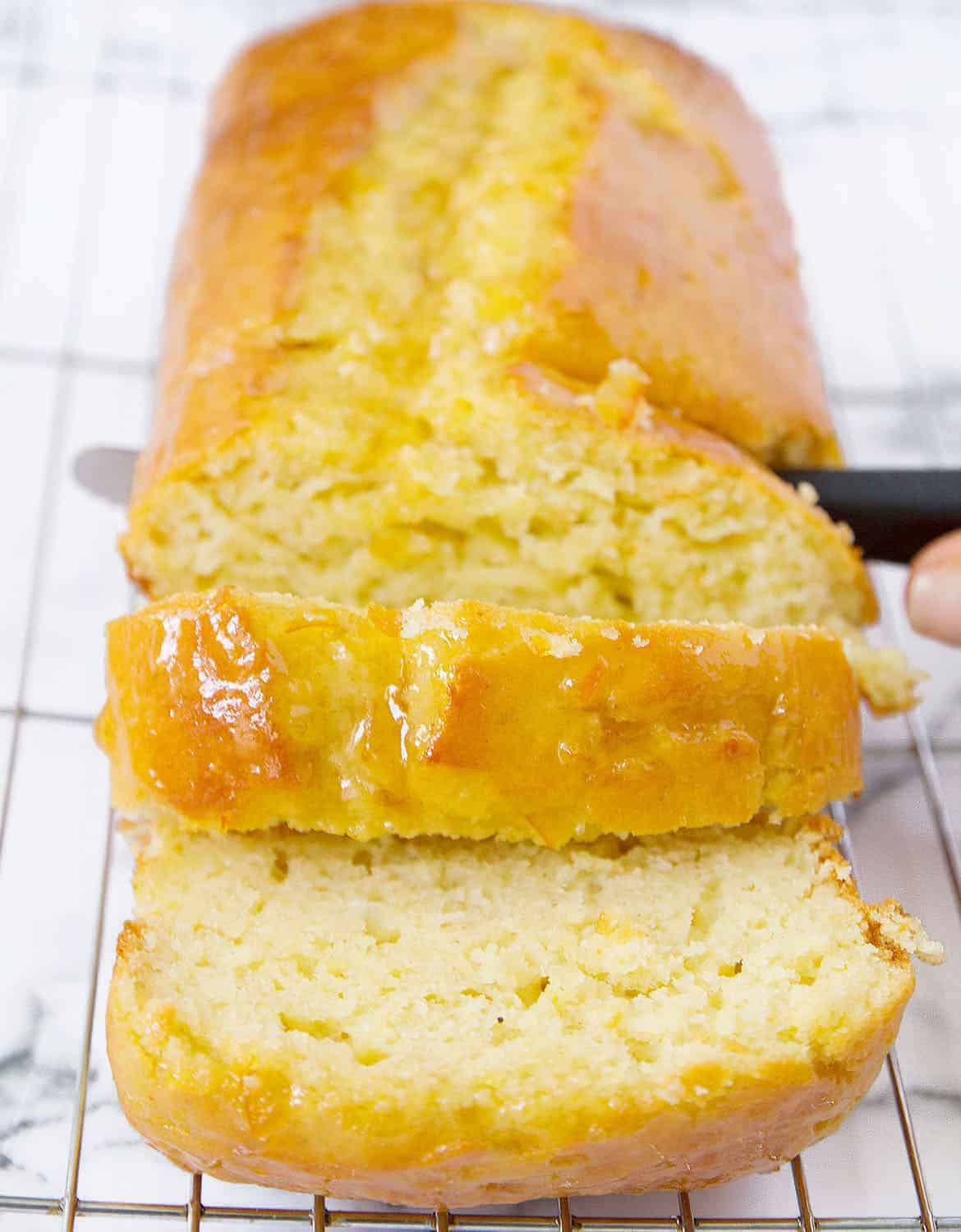 This yogurt cake is a must, not only is it good, low sugar and packed with nutrients, but it's also inexpensive and so easy to make.