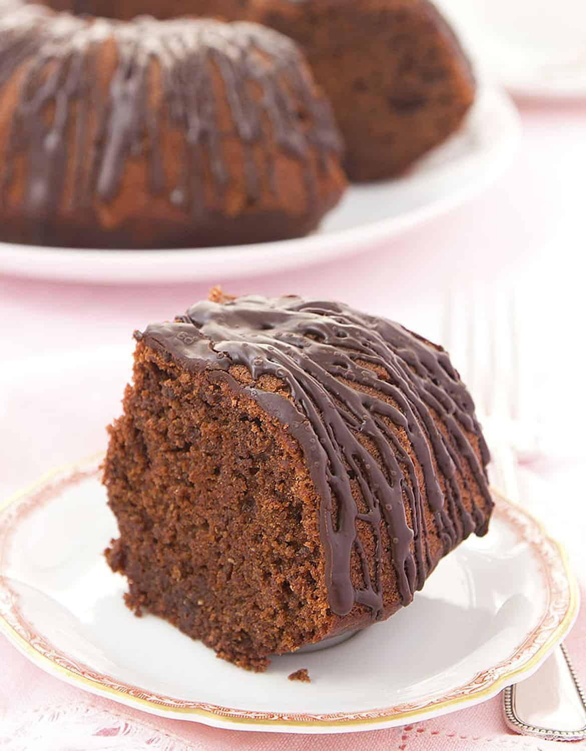 HEALTHY BEETROOT AND CHOCOLATE CAKE (BLENDER RECIPE) by The Clever Meal