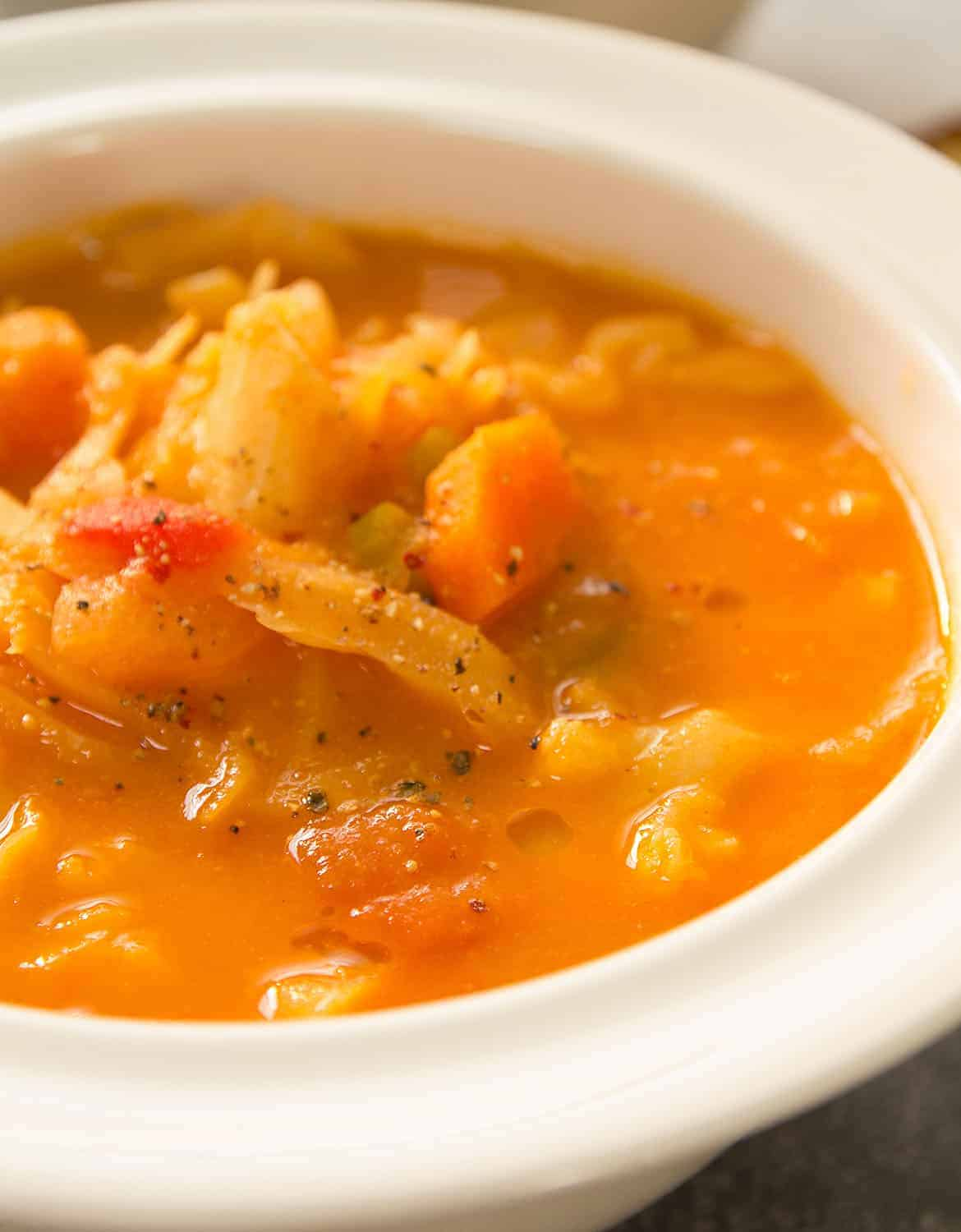 With less than 140 calories per serving, this healthy warming vegetarian cabbage soup is packed with flavor, texture and vegetables in a rich tomato broth.