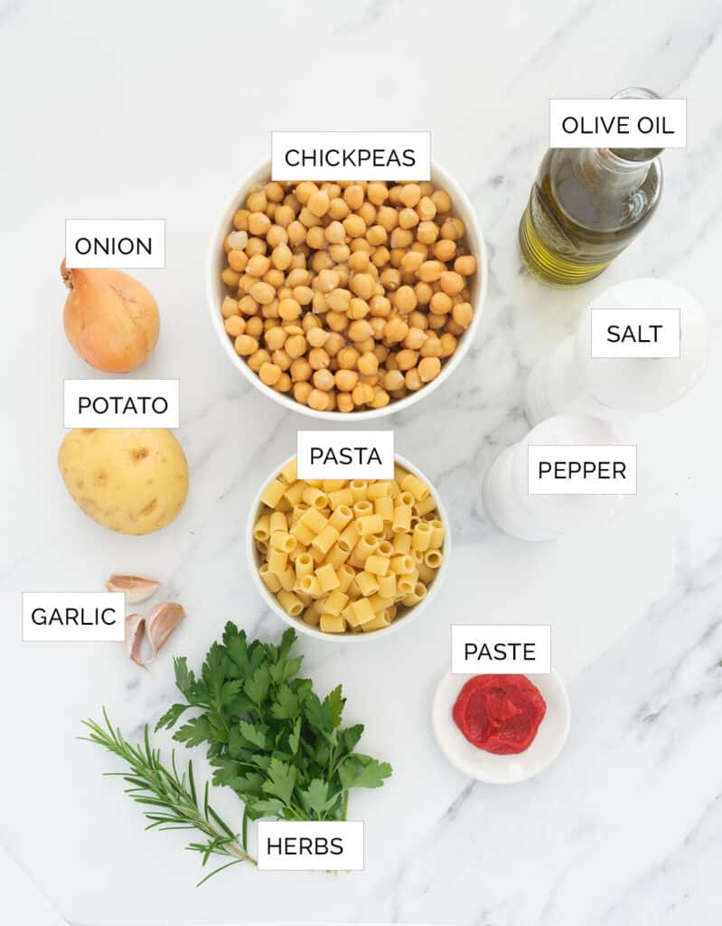 Top view of the ingredients to make this pasta with chickpeas.